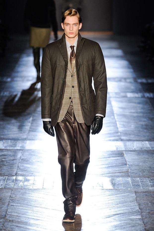 Duco Ferwerda3055_1_FW12 Paris Viktor & Rolf(fashionising.com)