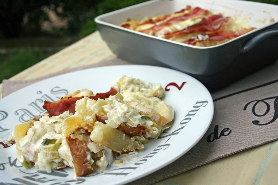gratin de baked potatoes