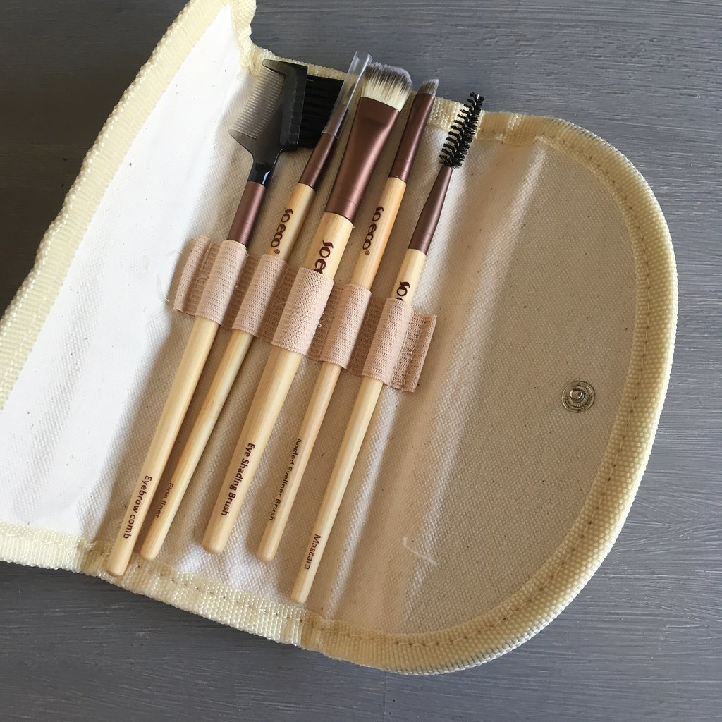 So Eco 5 Brush Eye Kit Review