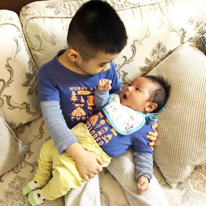 Bí quyết nuôi con bằng sữa mẹ hoàn toàn của mẹ Việt - 1