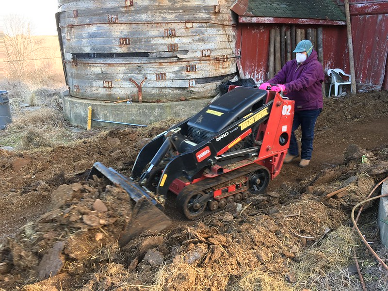 Mini skid steer