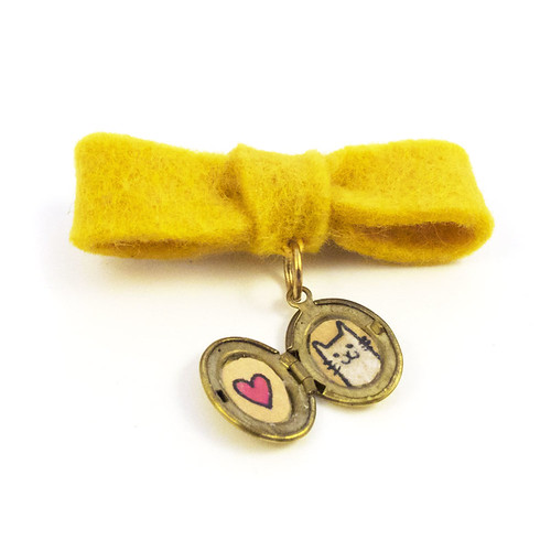 Fancy Bow Locket with Kitty and Heart