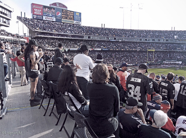 Black Hole Seats Raiders - Pics about space