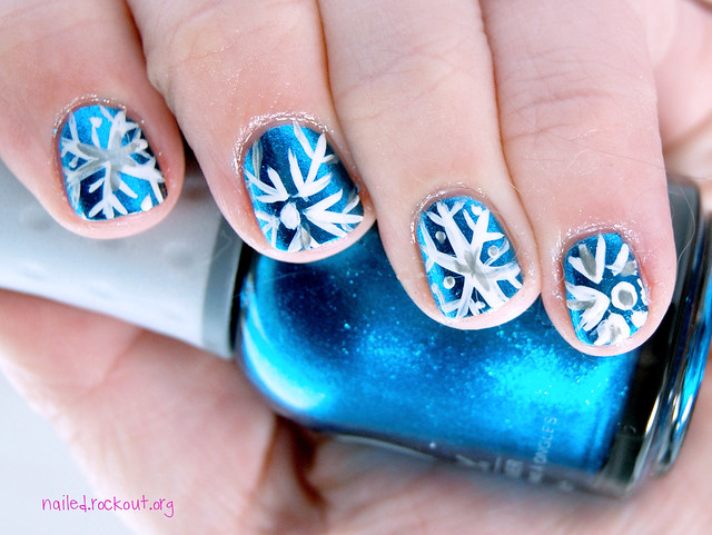 snowflakes nail design for short nails