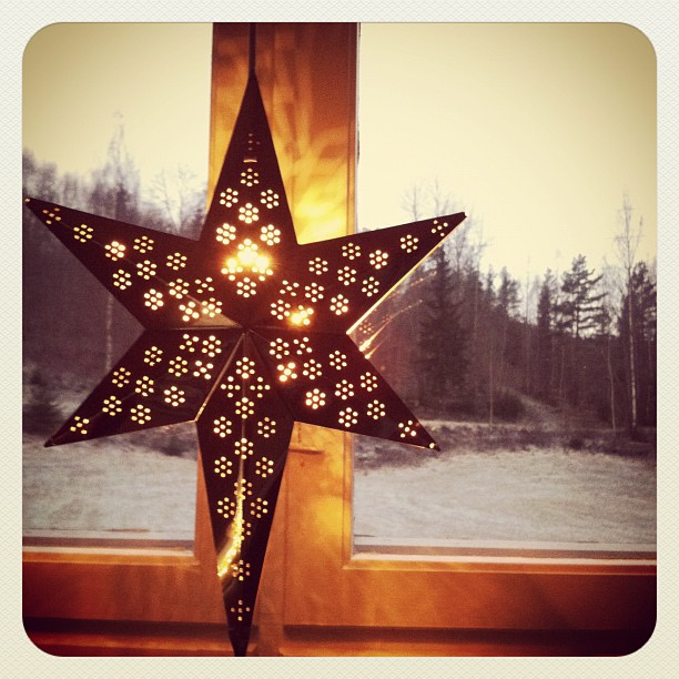 The 3 Advent stars in my windows made me smile this morning.
