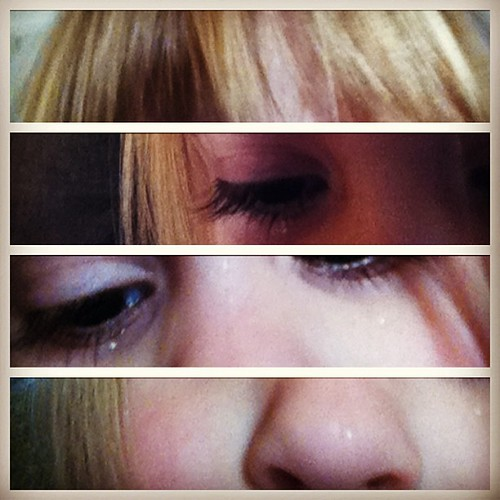 29 self portraits of a sad girl on my phone