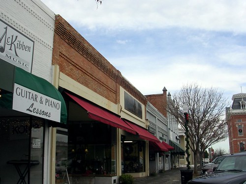 Covington, Newton County's County Seat (by: Rusty Tanton, creative commons license)