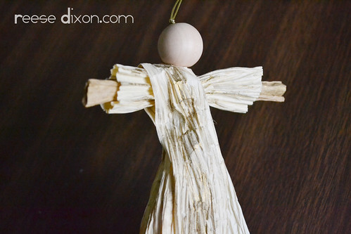 Paper Twist Angel Ornament Tutorial Step 10