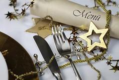 festliche Tischdekoration an Weihnachten