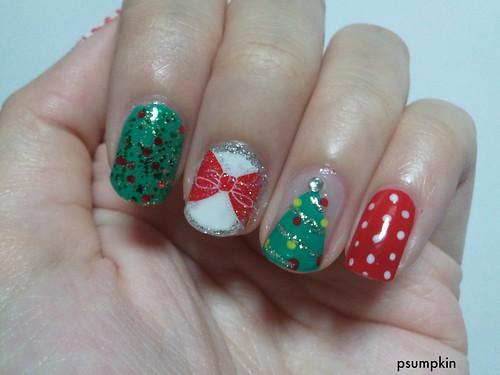 2011 Christmas Nails 2