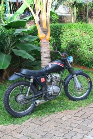 Honda XL 150 custom by Axial Showroom