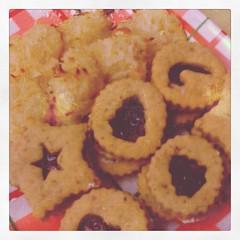 Linzer cookies & coconut snowballs