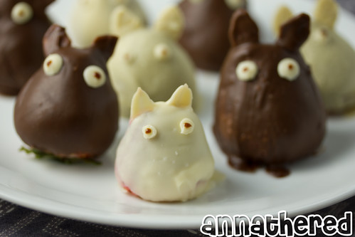 Non-bento #44: Chocolate covered strawberry Totoro