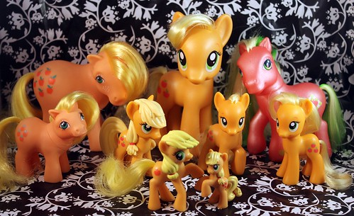 Applejack Family