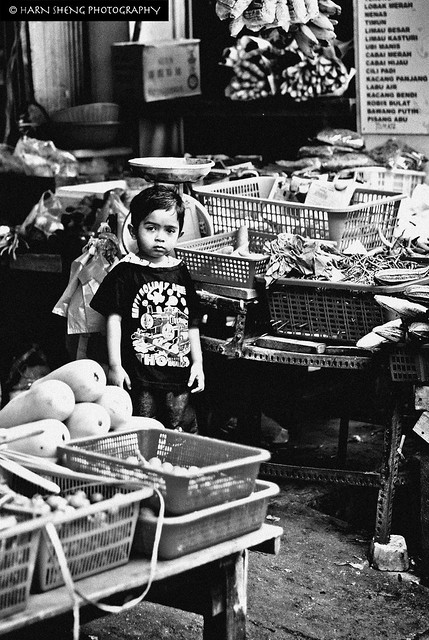 B&W The kid of Chowrasta