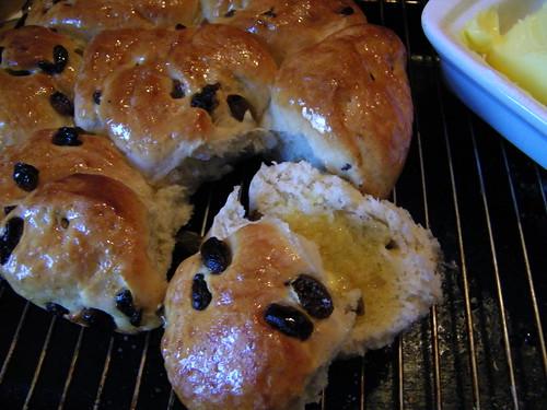 A buttered piece of Sultana Crown Bread - Ein gebuttertes Stueckchen von Sultanien Kronen Brot by abracacamera