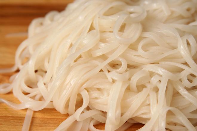 rice noodle peanut butter salad 4