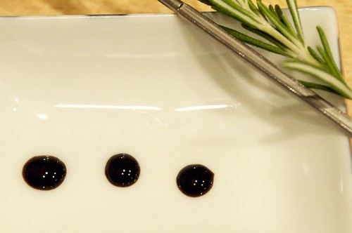 balsamic reduction drops