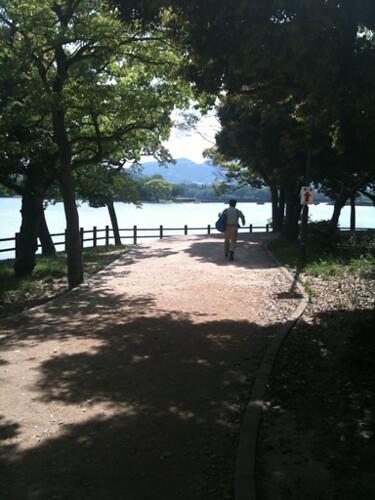 駕与丁公園の遊歩道