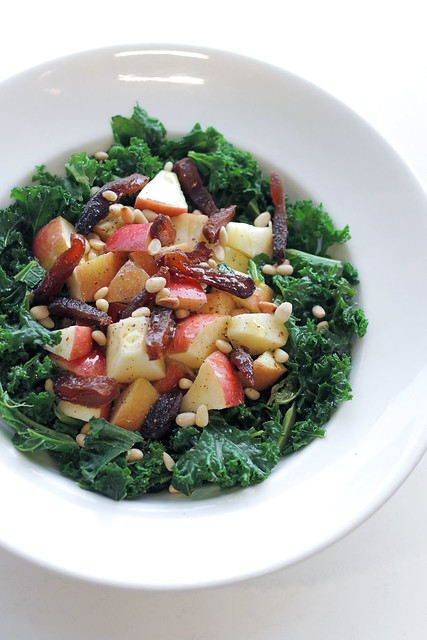 Kale, Apple and Dried Apricots