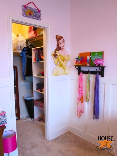 Kinsey_Room_floating_shelves_01