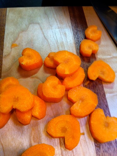 How to make carrot hearts: step 3
