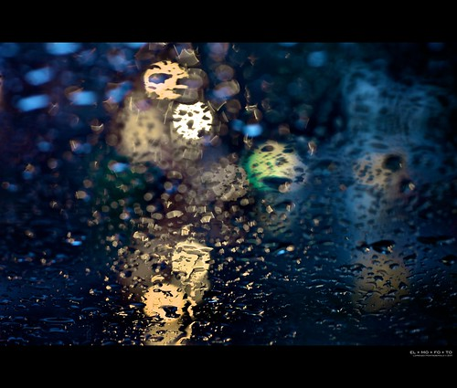 california white abstract water car rain weather northerncalifornia yellow 50mm lights evening bokeh fav20 symmetry raindrops intersection norcal windshield 1000v fav10 afsnikkor50mmf14g elmofoto btaws lorenzomontezemolo flickrmarketplace flickrlicensing