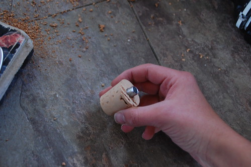 08_cork_with_thread