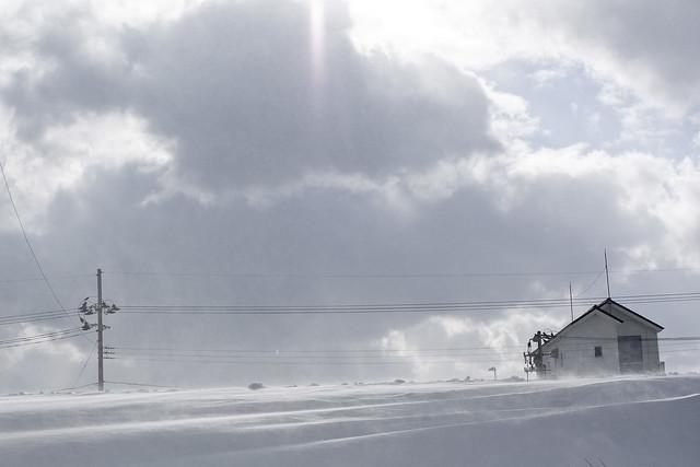 雪景色に降り注ぐ光