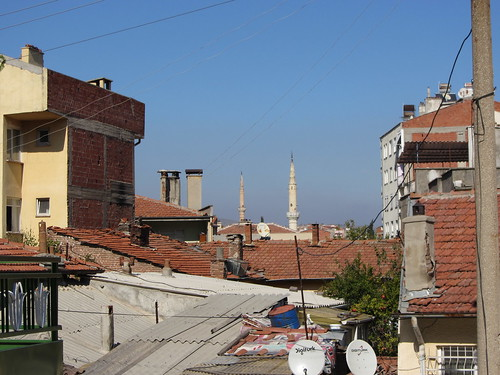 Balikesir: roofs, minarets and satellite dishes
