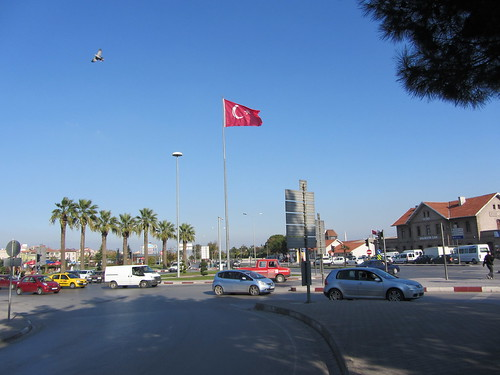 Balikesir: Square in front of the train station (2)