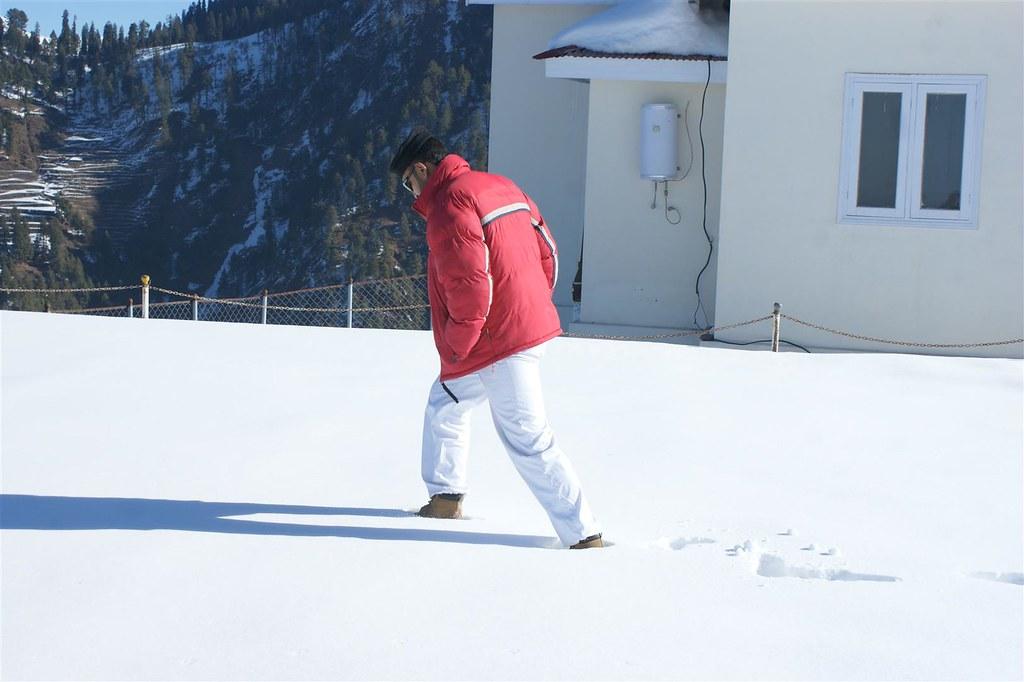 Muzaffarabad Jeep Club Snow Cross 2012 - 6816328193 439f6067d0 b