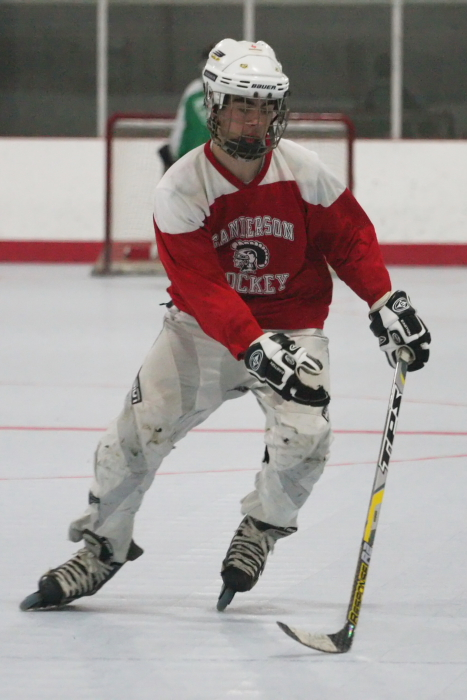 shs_inline_hockey_connor_035