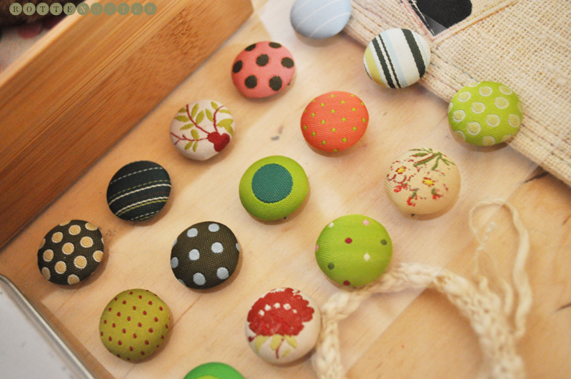 sewing storage buttons