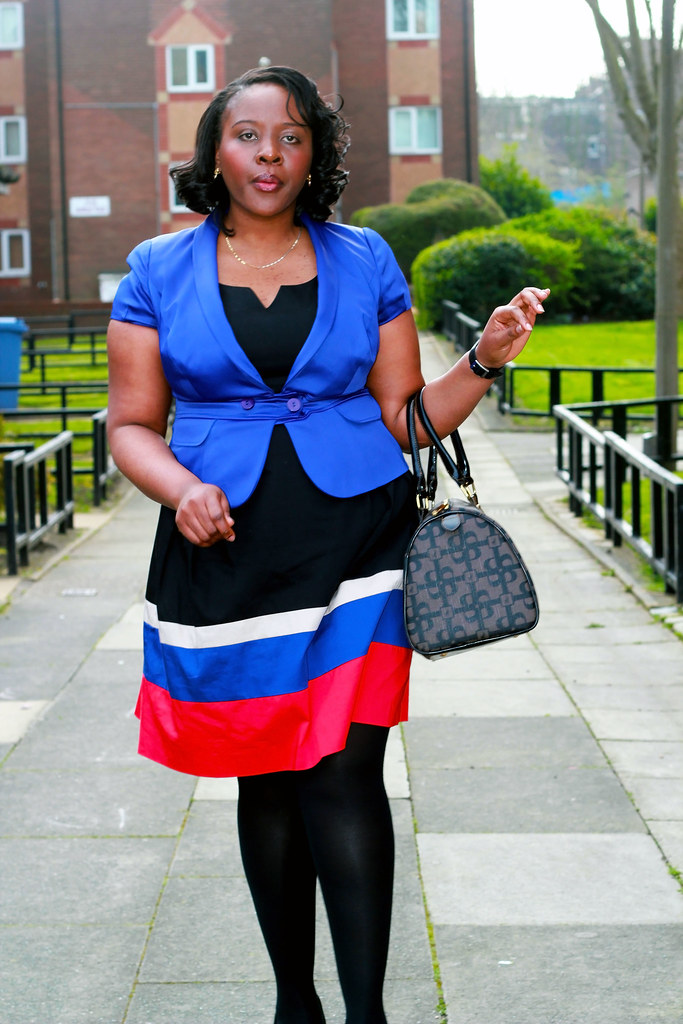 blue-red-black-skater-dress-with-blue-blazer,women blue blazer, how to style a blue blazer, black stocking, dress with stockings, curvy fashion, curvy women fashion, curvy style, curvy women style, blue blazer, womens blue blazer, multi coloured skater dress, what to wear for curvy women
