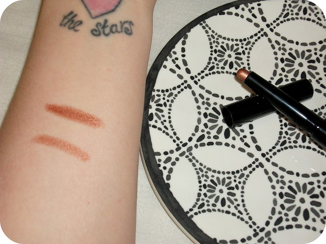 Born pretty Waterproof Eyeshadow Pen Swatch