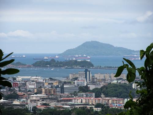 Panama City: vue sur le Canal de Panama depuis le Parque Natural Metropolitano