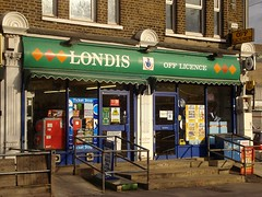 Picture of Londis, 38-40 Pitlake