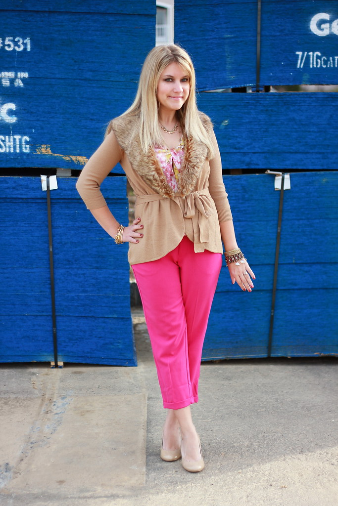 camel and pink faux fur outfit