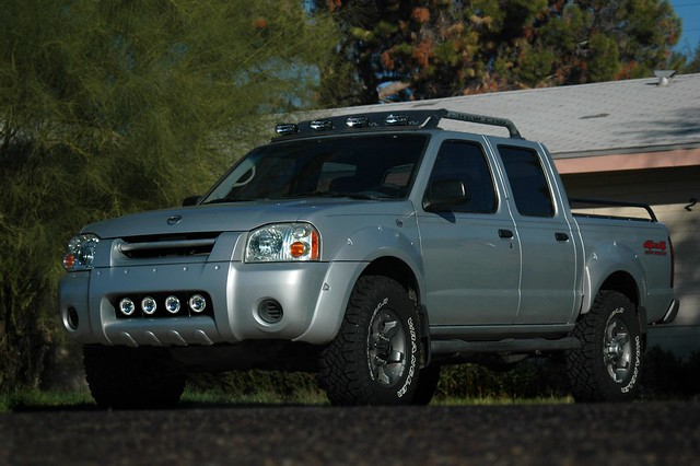 Low profile light bars for the 2000 and 2001 xterras nissan after holding the lightbar on a 2001 roof and visually checking it all looks good but i want to be 100 sure before i start selling these to 2000 2001 aloadofball Choice Image