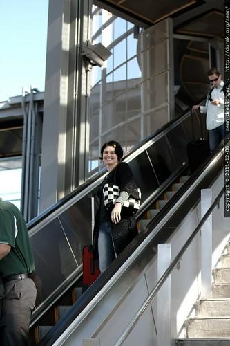 rachel arriving in the san diego airport    MG 3226