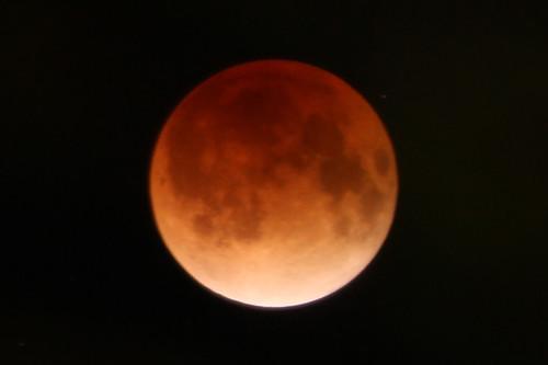 皆既月食 A Total Lunar Eclipse