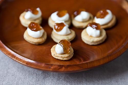 Herbed Biscuits Bites