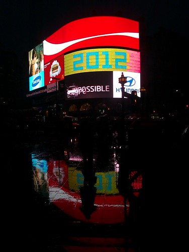 Piccadilly Circus reflections