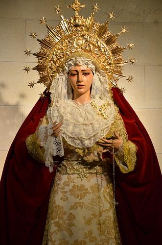 Vestimenta Virgen 14-01-2012 001