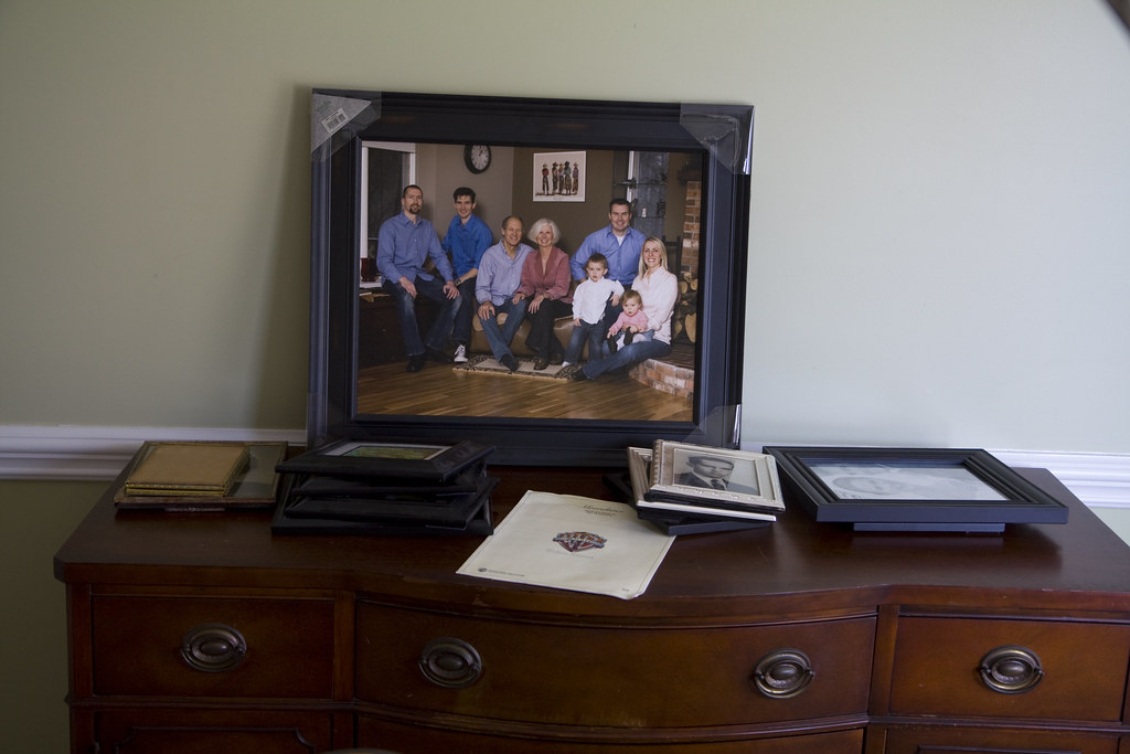 Designing wall gallery family photography