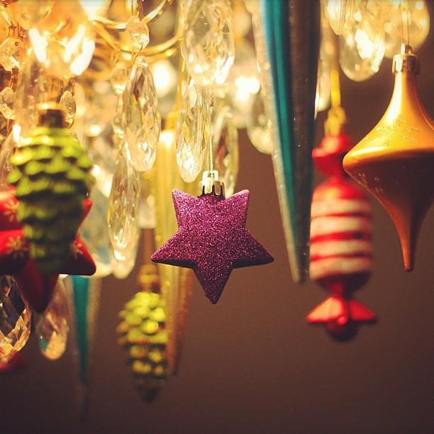 Декор комнаты на Новый год своими руками. Декорирование квартир | 500x500