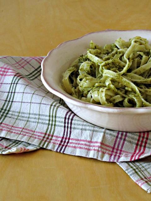 Tagliatelle con Pesto Piccante di Finocchietto, Agrumi e Pistacchi