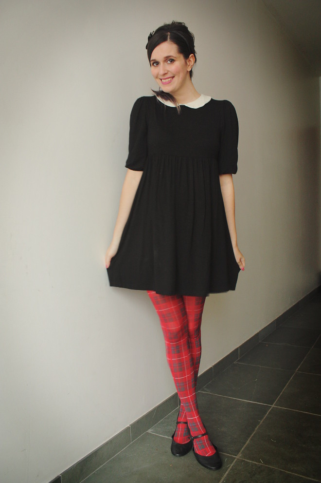 Peter Pan Collar and Tartan Tights