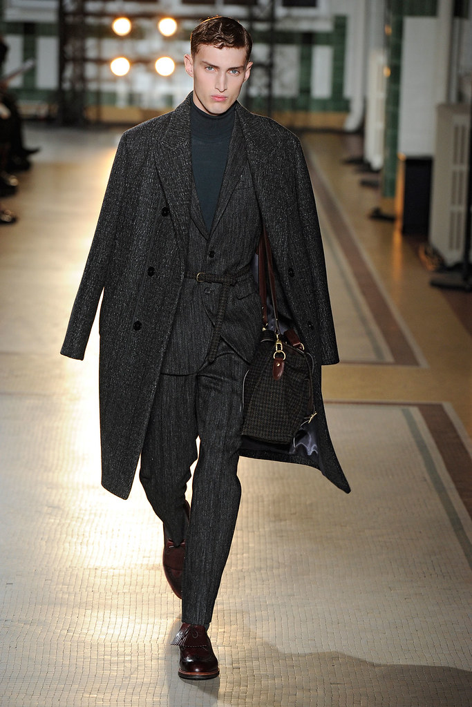 FW12 Paris Wooyoungmi030_Charlie France(VOGUE)